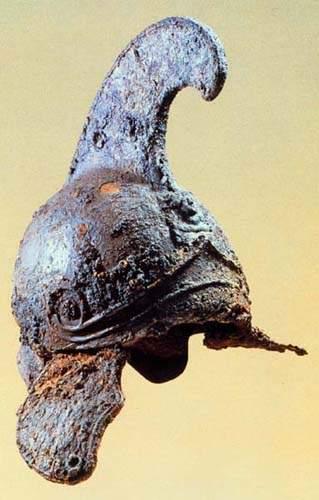 tombi2 iron helmet To Χρονικό της Βεργίνας του Μανόλη Ανδρόνικου